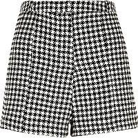 Black dogtooth print high waisted shorts