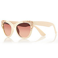 Cream filigree cat eye sunglasses