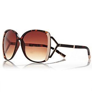 Brown tortoise shell square sunglasses