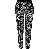 Black giraffe cigarette pants