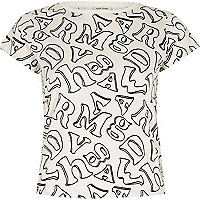 Cream alphabet print cropped t-shirt