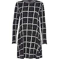 Black check print long sleeve swing dress