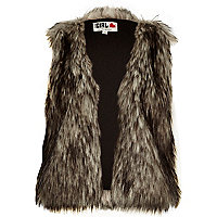 Grey Chelsea Girl cropped faux fur gilet