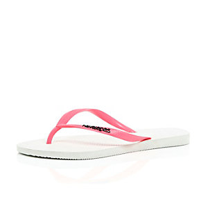 Coral Havaianas flip flops