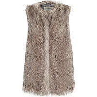 Brown sleeveless faux fur gilet