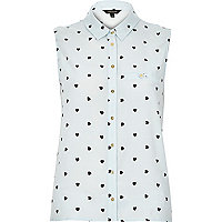 Blue heart print sleeveless shirt