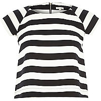 White stripe structured t-shirt