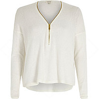 White knitted zip front top