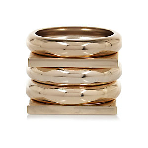 Yellow gold clean bangle pack