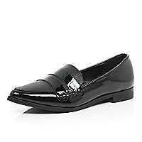 Patent black pointed loafers