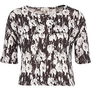 Black and white print boxy t-shirt