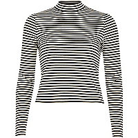Cream stripe long sleeve turtle neck