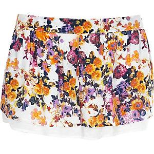 White blossom print shorts