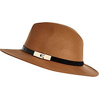 Beige metal trim fedora hat
