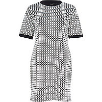 White geometric print t-shirt dress