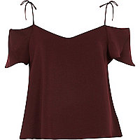 Red cold shoulder strappy t-shirt