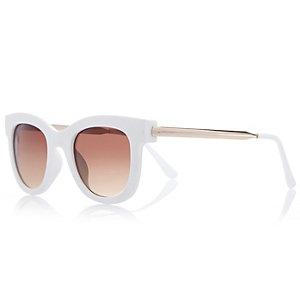 White rubber chunky frame sunglasses
