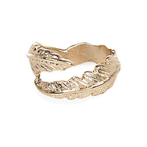 Gold tone wrapped leaf midi ring