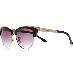 Black retro cat eye sunglasses