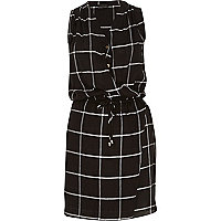 Black check sleeveless drawstring dress