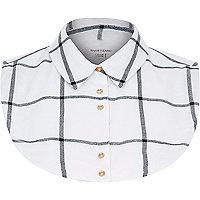 White check shirt collar bib