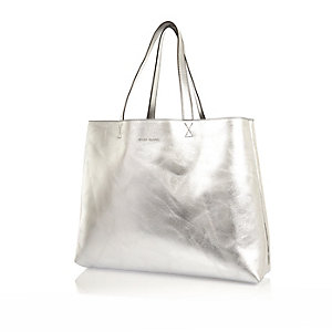 Silver reversible beach bag and purse