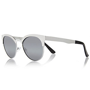 Silver metal frame retro sunglasses