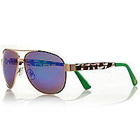 Gold tone contrast arm sporty aviators