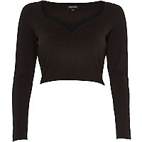 Black long sleeve V neck crop top