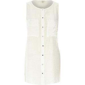 White plain sleeveless slouchy shirt