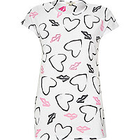 White heart and lips diamante fitted t-shirt
