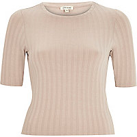 Pink ribbed fitted cropped t-shirt