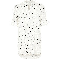 White triangle print relaxed shirt dress