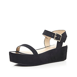 Black chunky flatform sandals