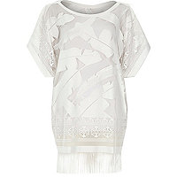 White lace leaf print fringed hem t-shirt