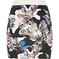 Purple lily print pull on mini skirt