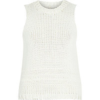 Cream sleeveless chunky knitted vest
