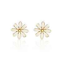 White chunky daisy stud earrings