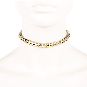 Gold tone woven choker necklace