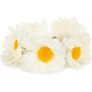 White daisy bun top hair tie