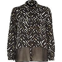 Khaki zebra print sheer hem shirt