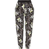 Green floral print jersey joggers