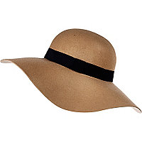 Beige wide brim floppy hat