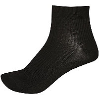 Black ribbed ankle socks
