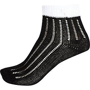 Black stripe pointelle ankle socks