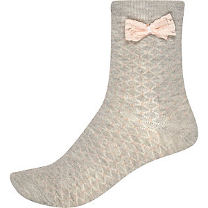 Light grey bow side ankle socks