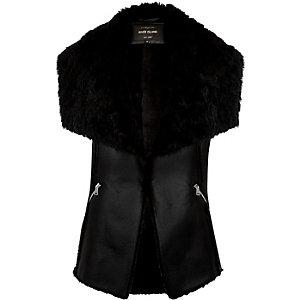 Black faux-fur sleeveless gilet