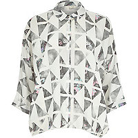 Grey digital geo print split back shirt