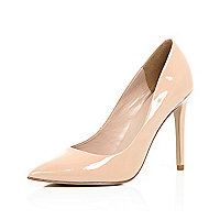 Nude patent leather court heels