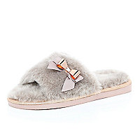 Pink faux-fur slippers
